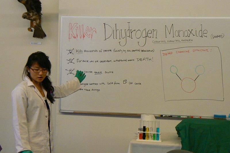 L'emergenza del Monossido di Diidrogeno thumbnail