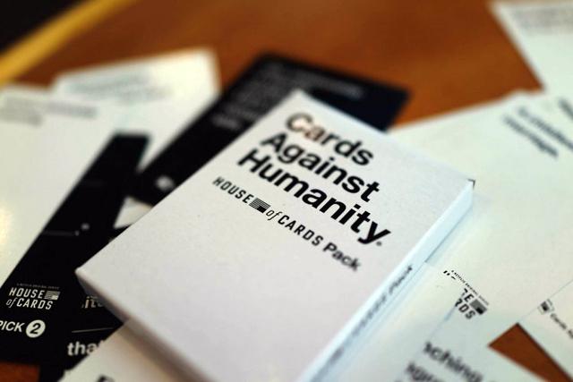 Cards Against Humanity: giochi semplici per persone orribili thumbnail