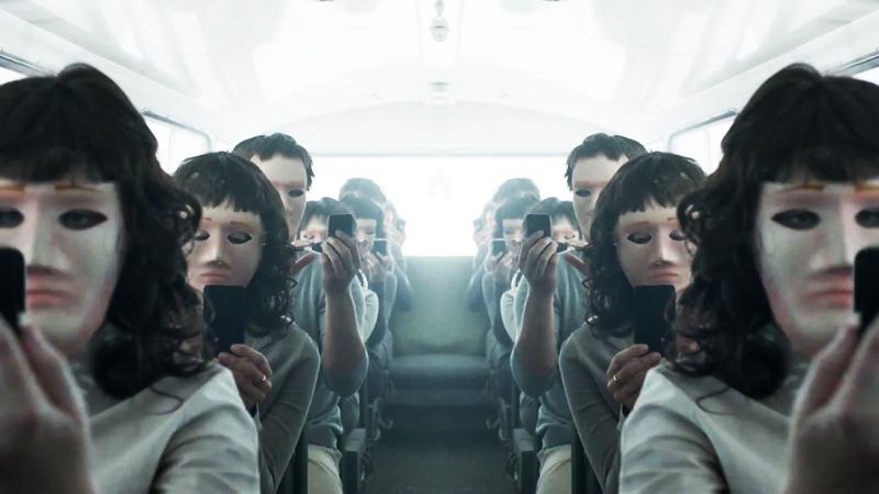 Black Mirror: la tecnologia ci sta alienando? thumbnail