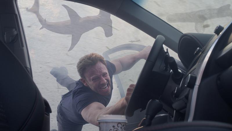 Sharknado 3: il salto dello squalo thumbnail