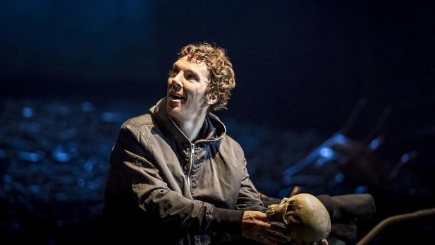 Hamlet: Cumberbatch ritorna al teatro thumbnail