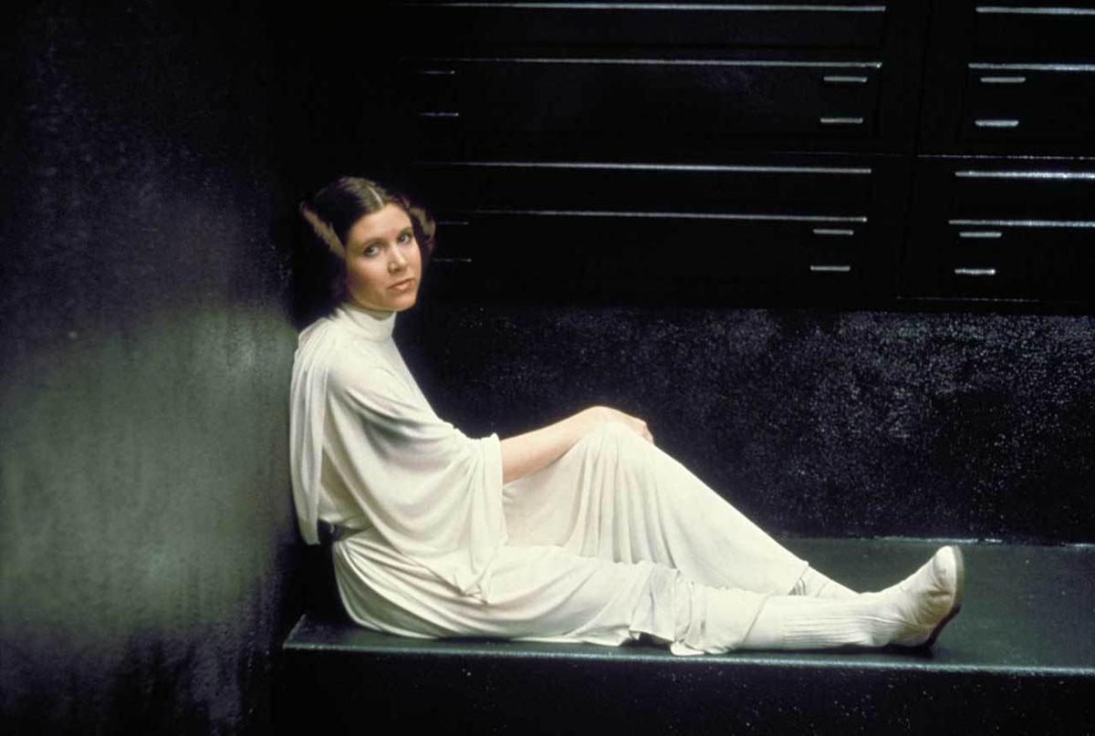 Carrie Fisher: 5 Ruoli oltre Leia Organa thumbnail