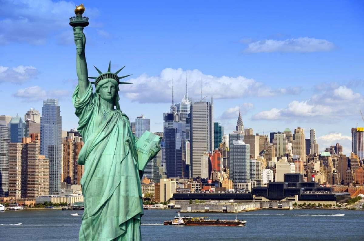 5 (+1) film che se la prendono con Lady Liberty thumbnail