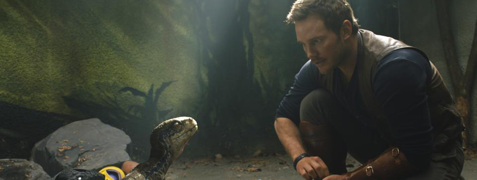 Chris Pratt spiega la scelta dell'arma in Jurassic World thumbnail