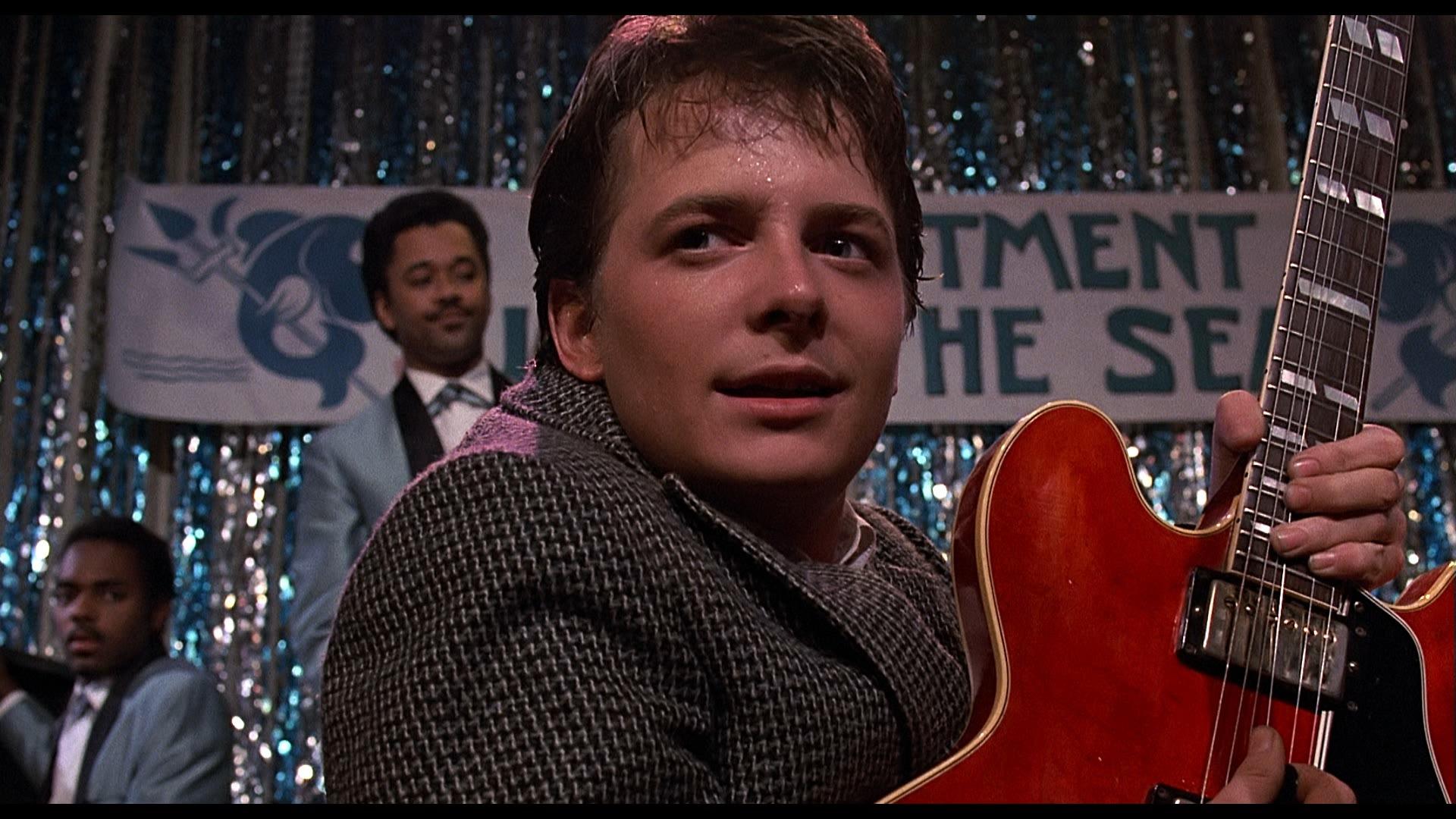 Ritorno al Futuro: ecco perchè Marty non viene riconosciuto dai genitori thumbnail