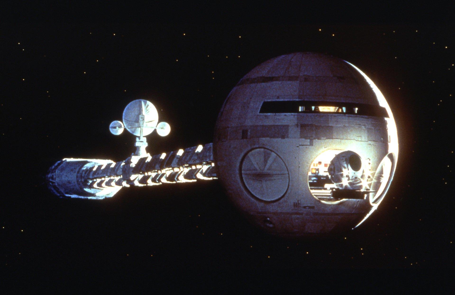 Le top 10 (+1) astronavi più iconiche del cinema thumbnail