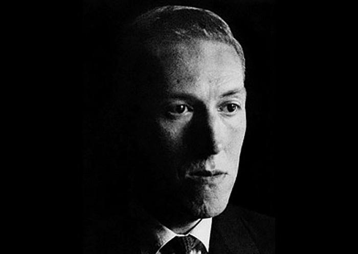 H.P. Lovecraft: amiamo avere paura thumbnail
