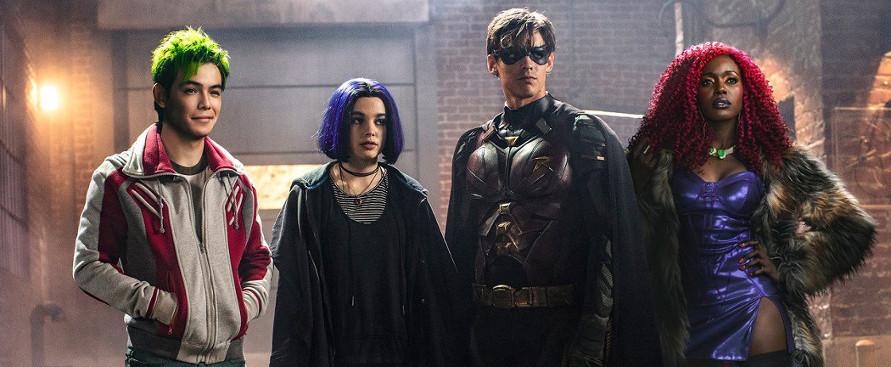 Titans: supereroi a pezzi in cerca di squadra | Recensione thumbnail