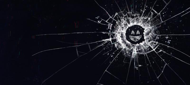 Black Mirror: nuovo trailer della quinta stagione thumbnail