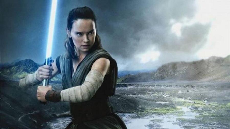 Star Wars: la clip del D23 mostra una Rey passata al Lato Oscuro? thumbnail