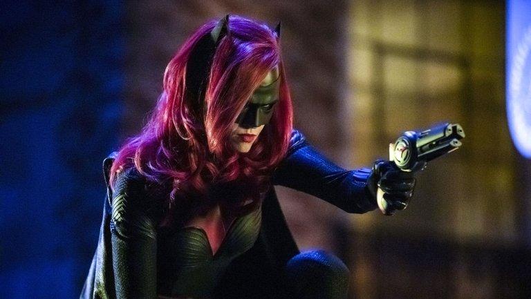 CW ordina il pilota di Batwoman thumbnail
