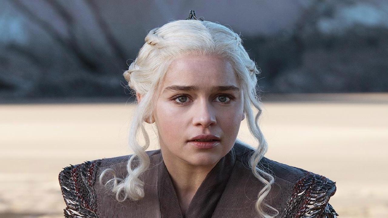 Game of Thrones 8, il quinto episodio sarà più epico del terzo: parola di Emilia Clarke! thumbnail