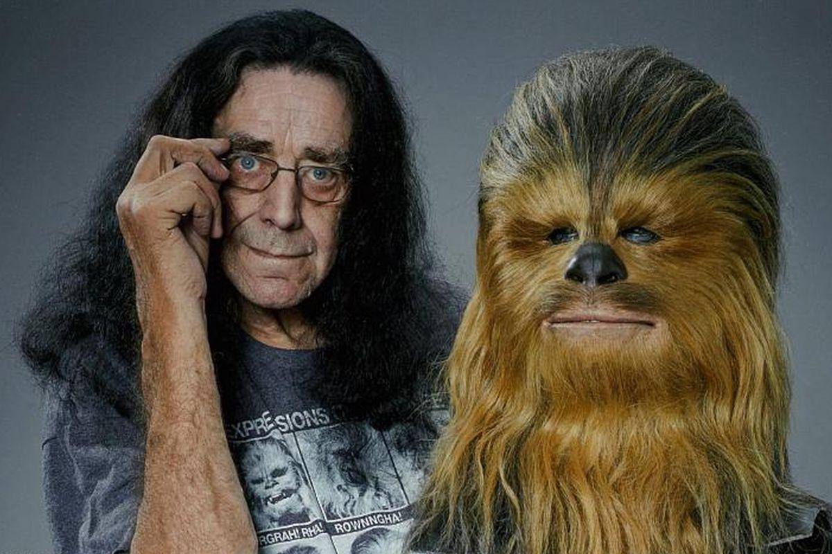 Star Wars: si spegne Peter Mayhew, attore interprete di Chewbacca thumbnail