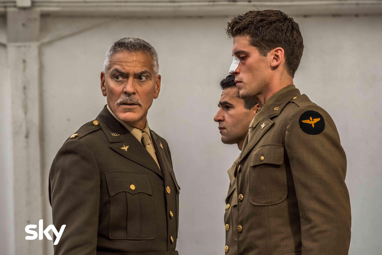 Catch-22, arriva domani su Sky Atlantic la serie TV con George Clooney thumbnail