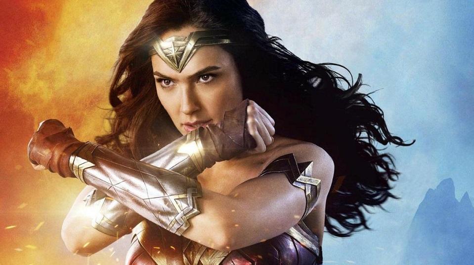 Wonder Woman 1984: primo poster ufficiale con la nuova armatura di Gal Gadot thumbnail