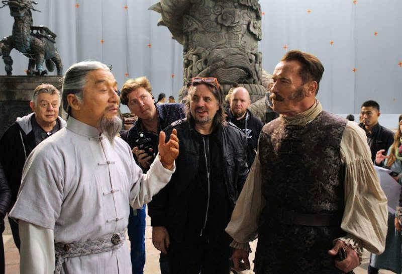 Rivelata la data di uscita del film con Schwarzenegger e Jackie Chan thumbnail