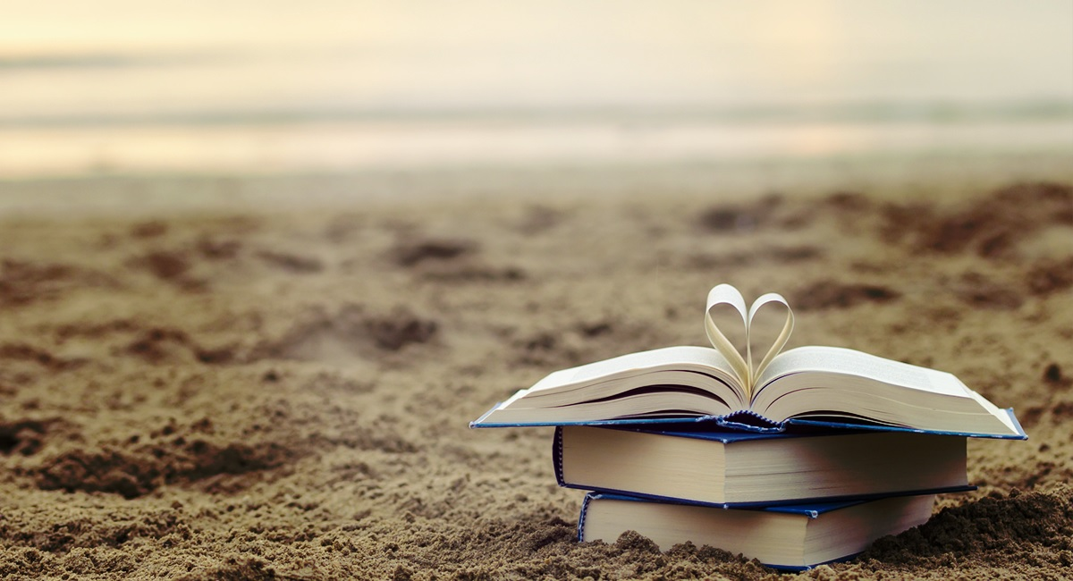 Estate: 10 libri usciti quest'anno da leggere sotto l'ombrellone thumbnail