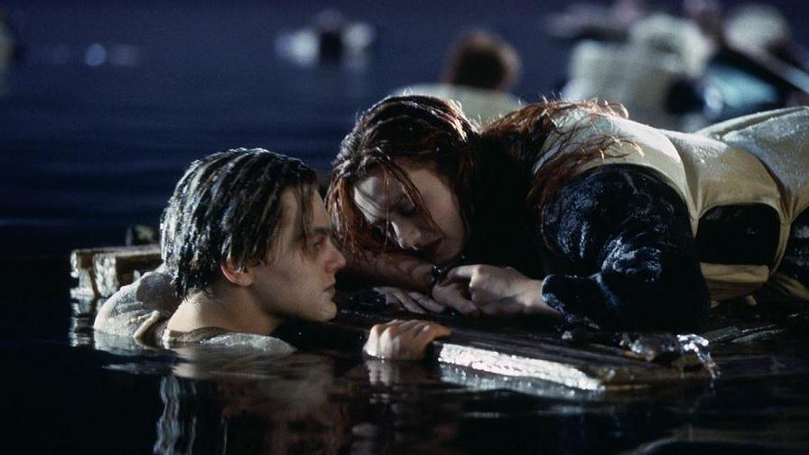 Titanic, Jack poteva salvarsi? Leonardo DiCaprio rifiuta di rispondere thumbnail
