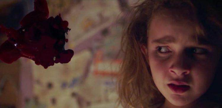 Freaks: il film horror di Zach Lipovsky si mostra in un nuovo trailer thumbnail