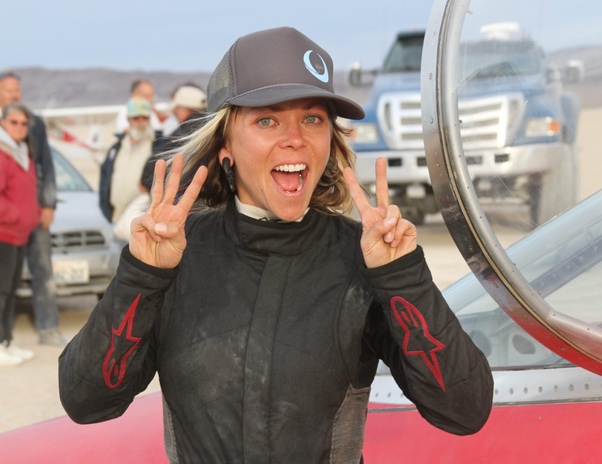 Morta la pilota Jessi Combs, ex presentatrice dei Mithbusters thumbnail