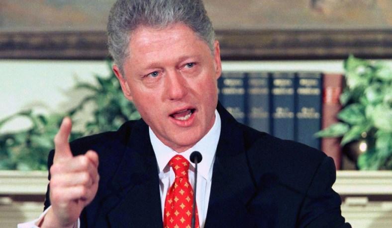 American Crime Story: la terza stagione sarà sullo scandalo sessuale di Bill Clinton thumbnail