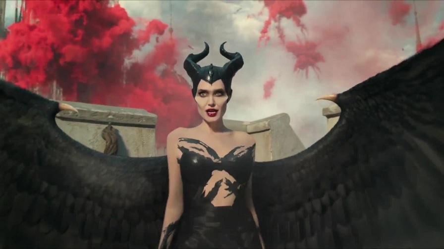 Maleficent: Signora del male, il nuovo poster thumbnail