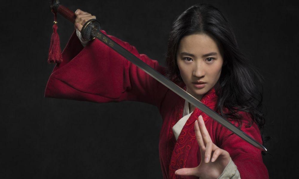 Mulan: nuovo poster per il remake della Disney thumbnail