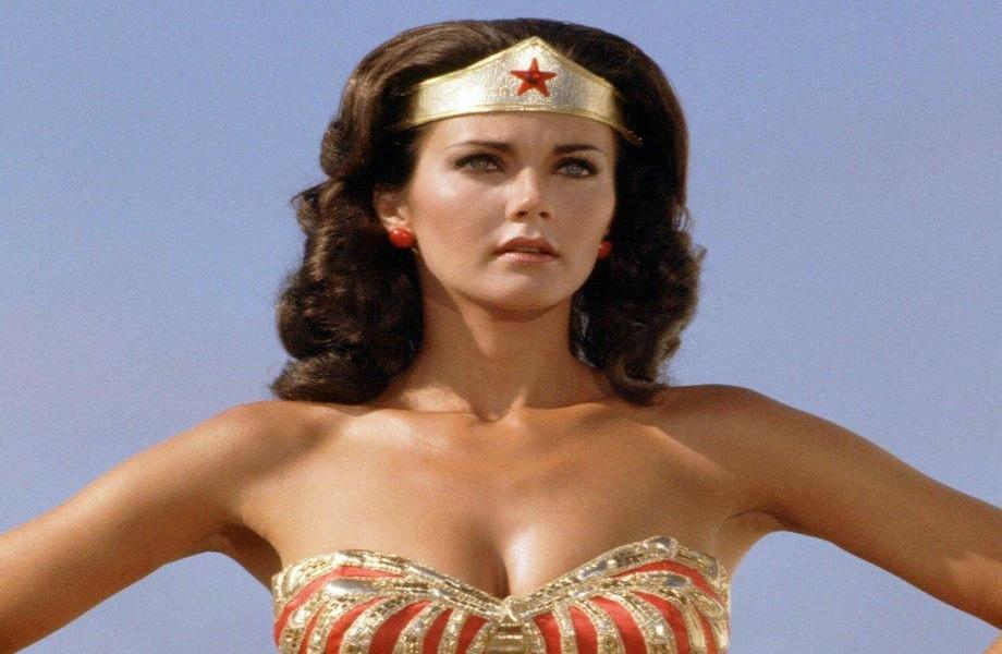Lynda Carter, Wonder Woman originale potrebbe tornare in Crisi sulle Terre Infinite thumbnail