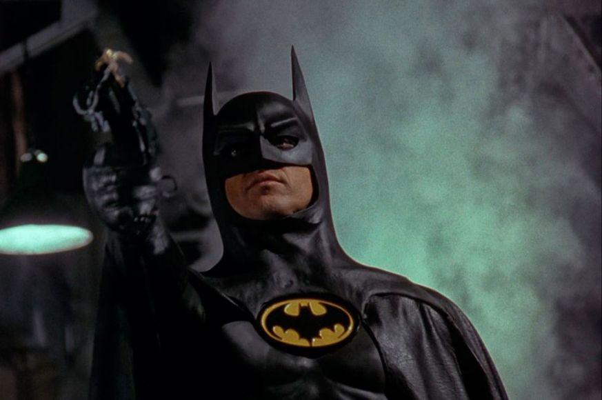 Batman: il costume originale di Michael Keaton andrà all'asta thumbnail