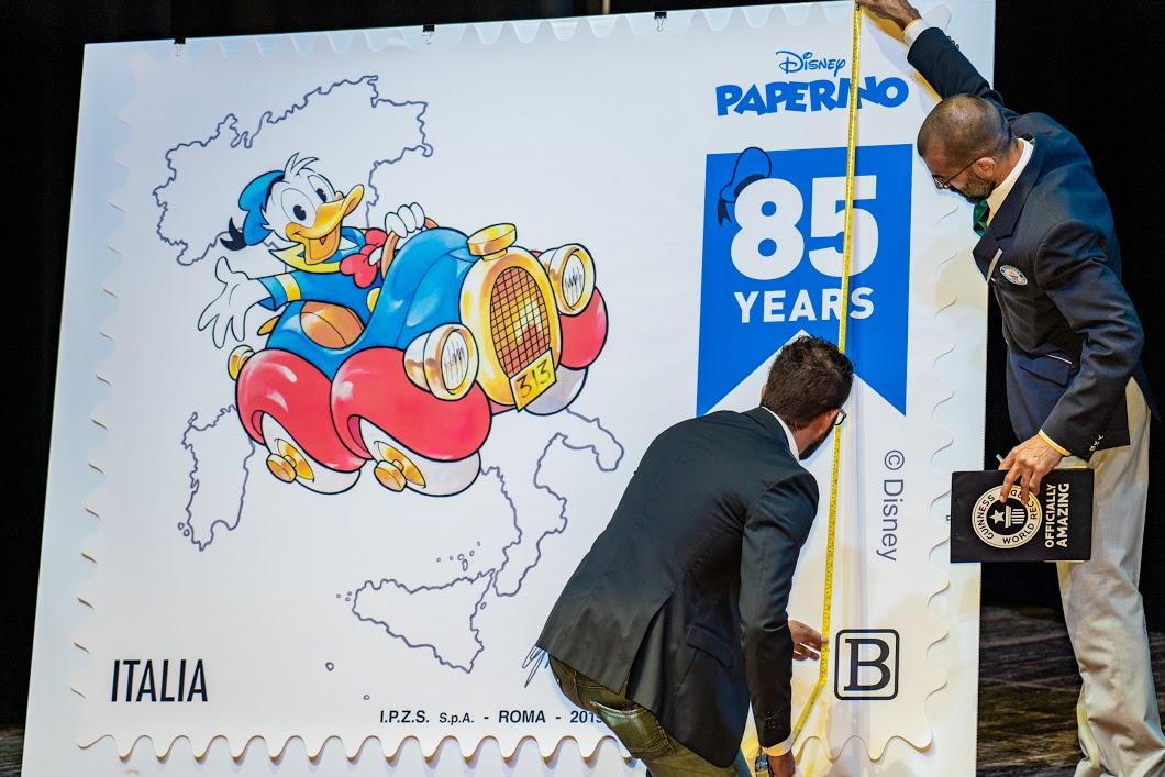 Guinness World Record, a Lucca un francobollo di Paperino da record thumbnail