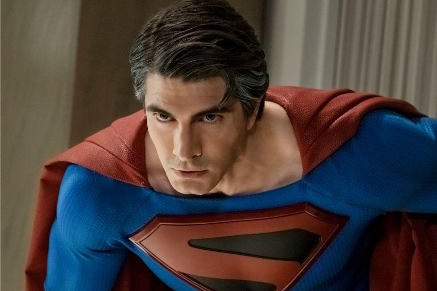 Crisi sulle Terre Infinite: Superman a confronto nella foto nuova thumbnail