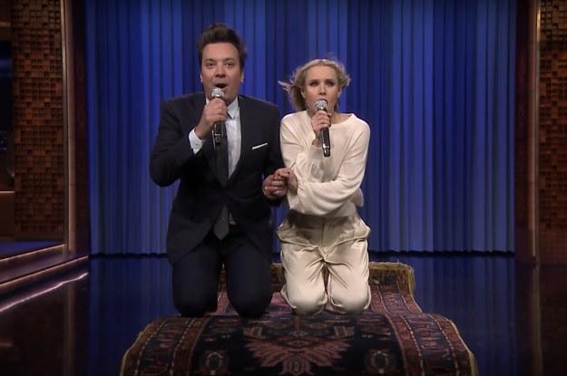 Jimmy Fallon e Kristen Bell si lanciano in un medley di canzoni disney thumbnail