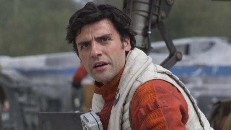Poe Dameron pilota il Millennium Falcon in una nuova foto da Star Wars 9 thumbnail