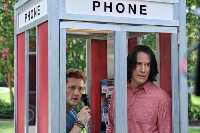 Bill & Ted, in vendita una replica della cabina telefonica thumbnail