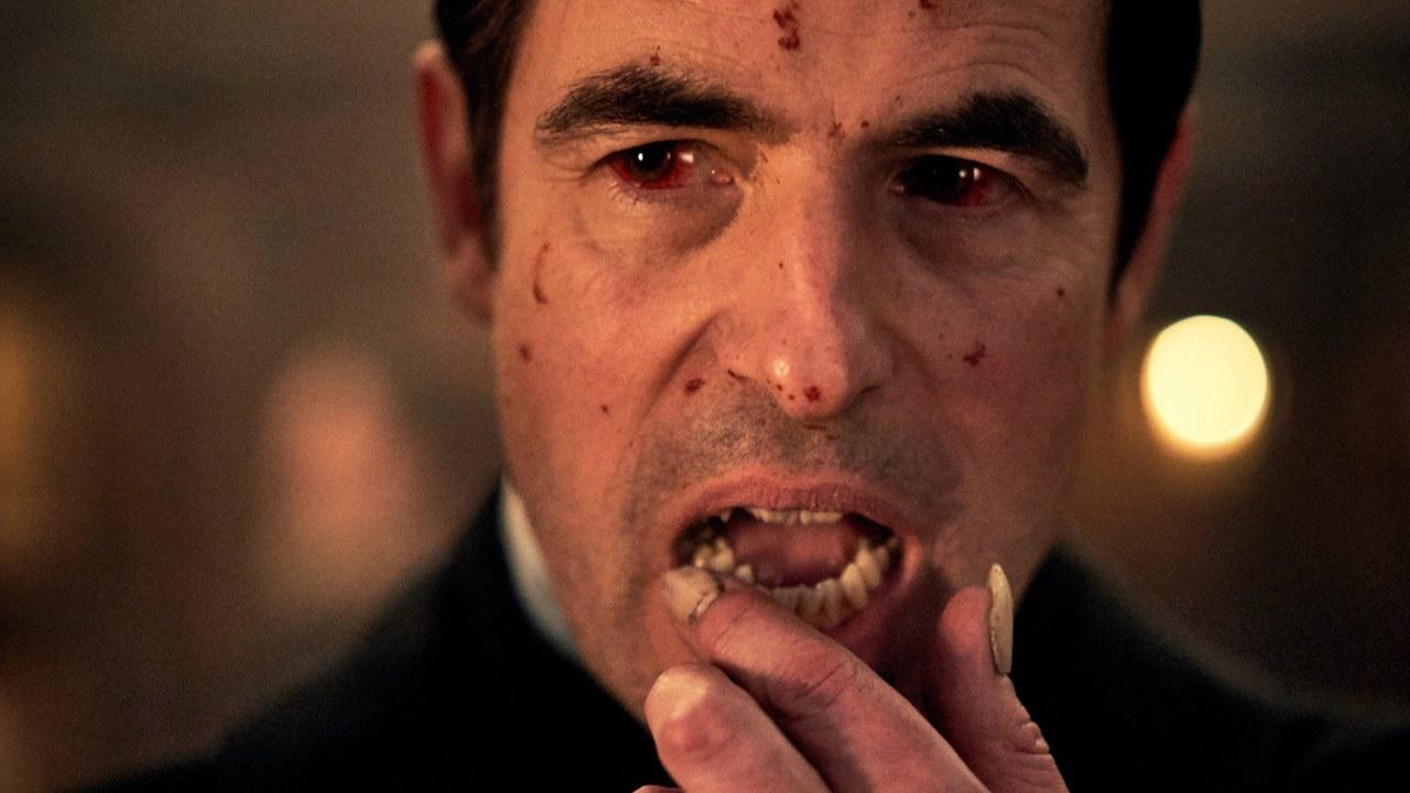 Dracula, il teaser della miniserie dai creatori di Sherlock thumbnail