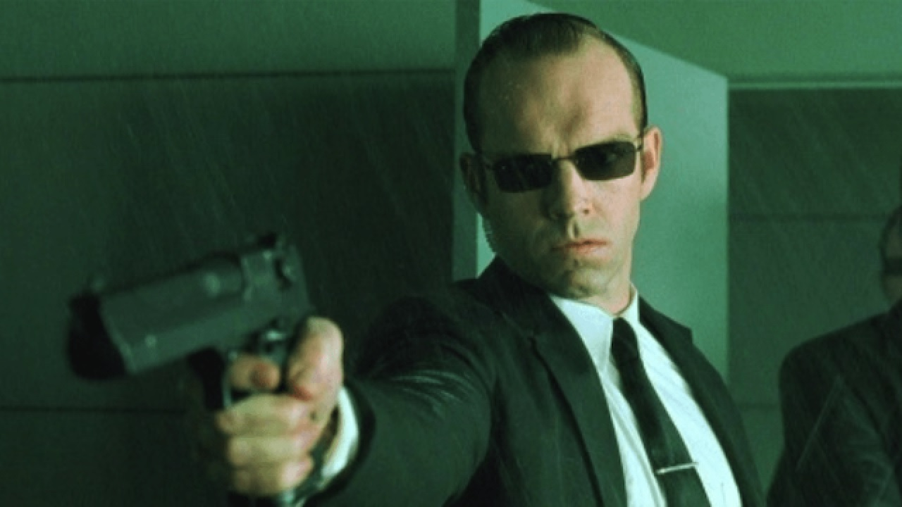 The Matrix 4: Hugo Weaving non tornerà come Agente Smith thumbnail