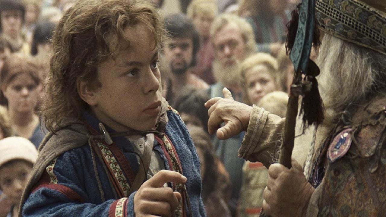 Willow: Warwick Davis frena gli entusiasmi per la serie Disney+ thumbnail