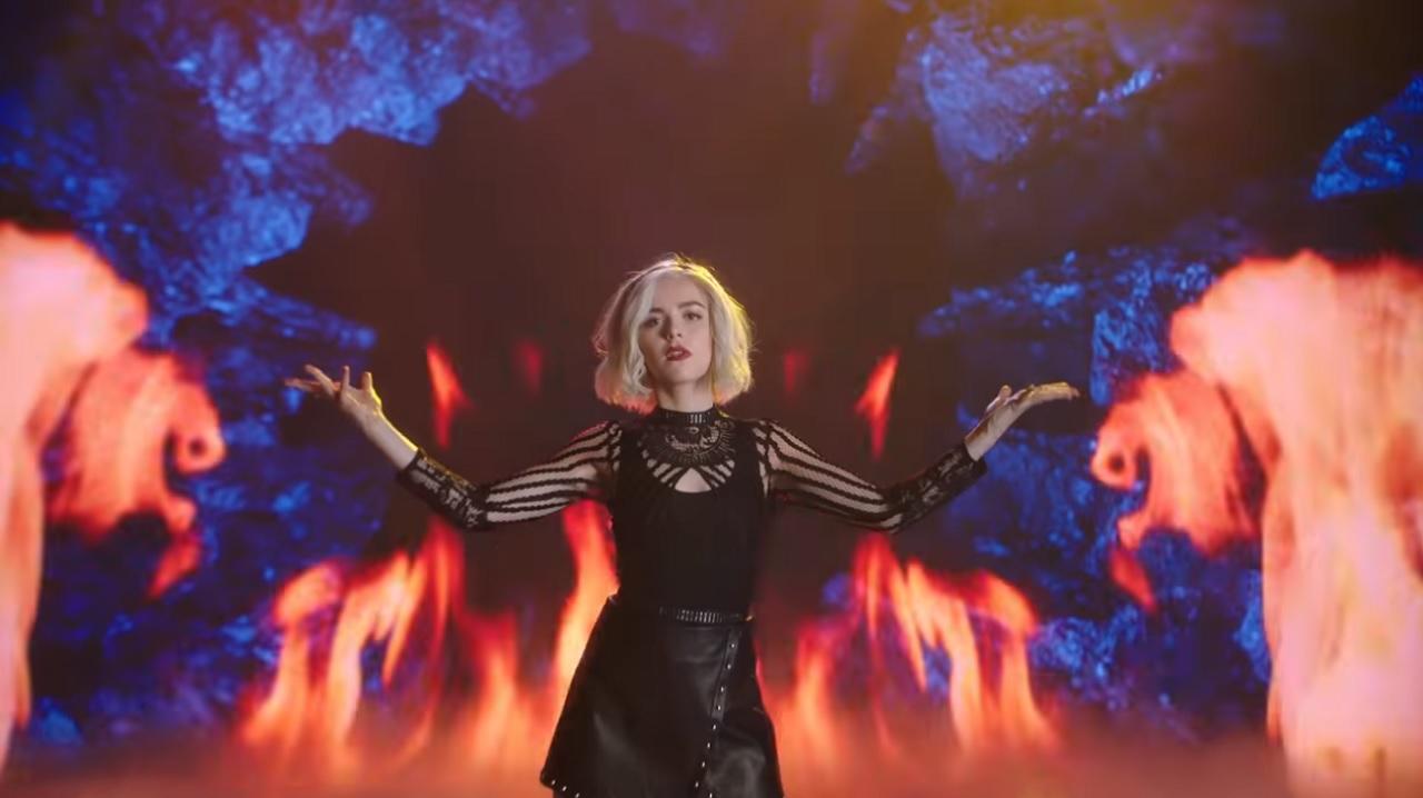 Sabrina 3, un video musicale per anticipare la nuova stagione thumbnail