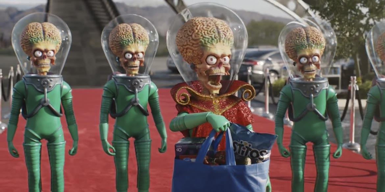 Walmart: lo spot del Super Bowl è pieno di ospiti famosi! thumbnail
