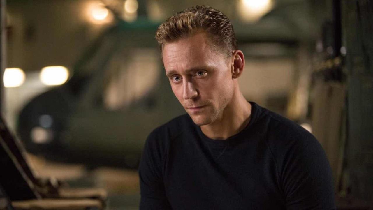 White Stork: Tom Hiddleston si unisce alla serie Netflix thumbnail