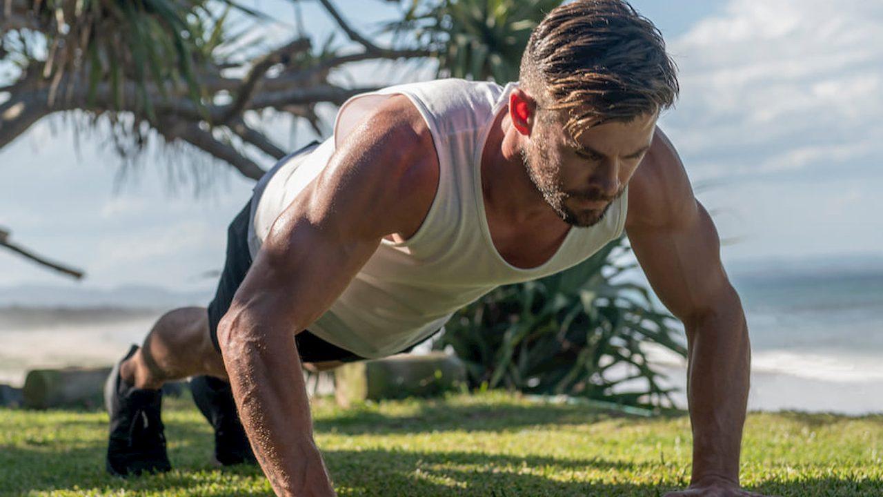 Ora potete fare allenamento con Chris Hemsworth, gratis thumbnail