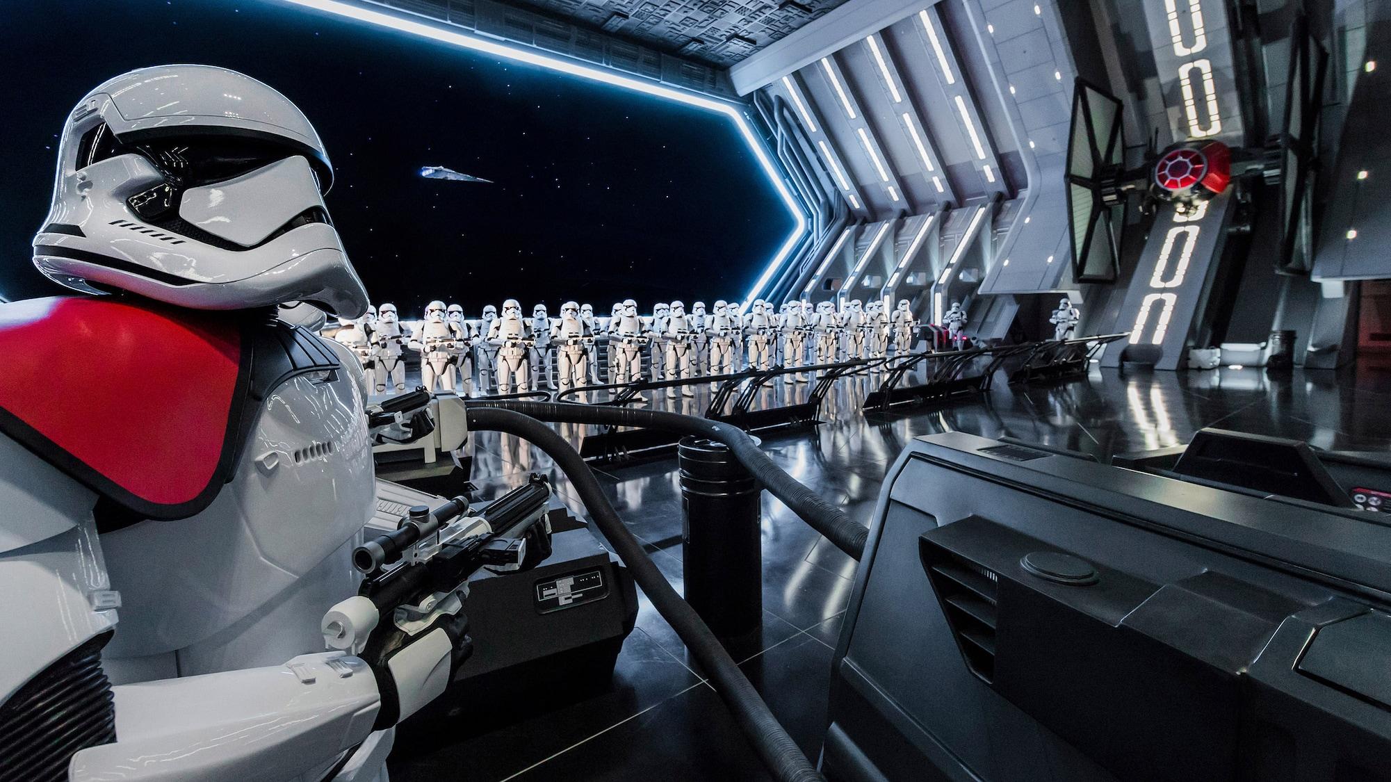Un tour virtuale per la nuova attrazione di Star Wars thumbnail