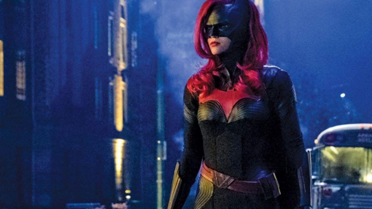 Batwoman: spiegate le ragioni del cambio di protagonista thumbnail