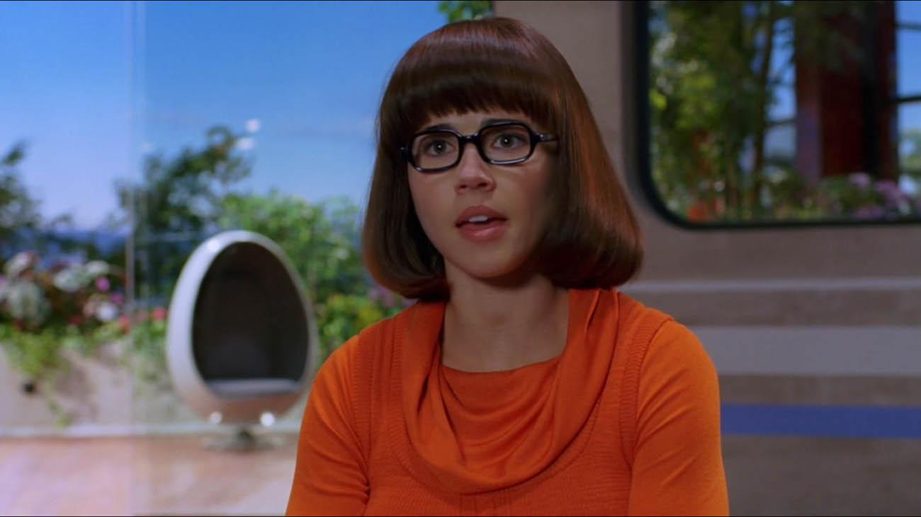 James Gunn conferma che Velma era lesbica nello script originale di Scooby-Doo thumbnail
