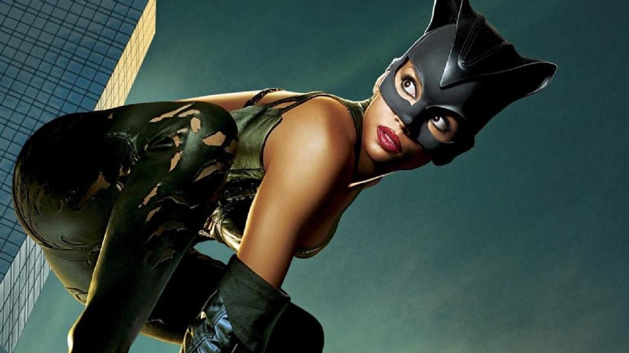 """Halle Berry sapeva dei problemi di Catwoman: """"La storia non era giusta"""" thumbnail"""