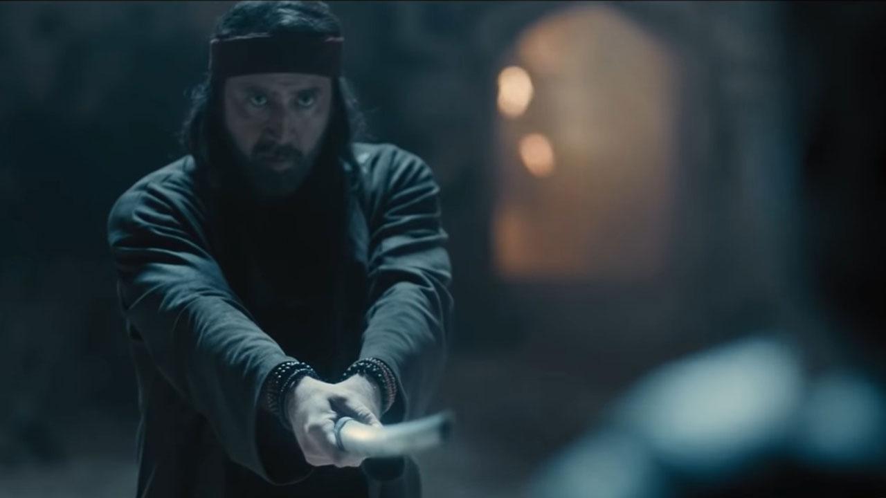 Alieni, arti marziali e Nicolas Cage: il folle trailer di Jiu Jitsu thumbnail