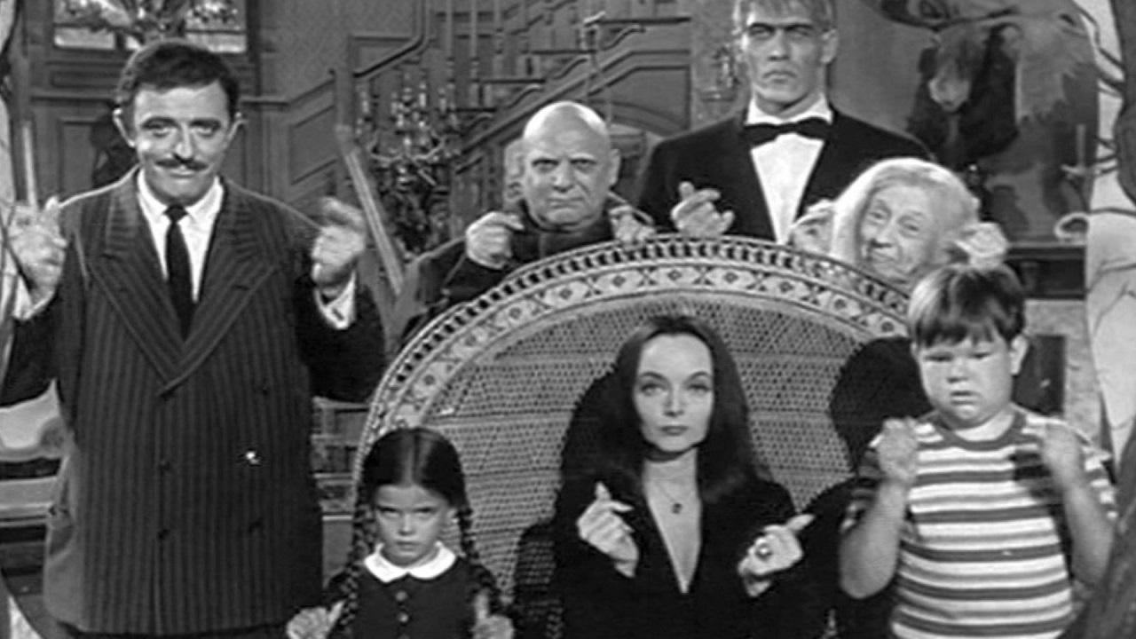 Tim Burton sta per riportare la Famiglia Addams in TV thumbnail