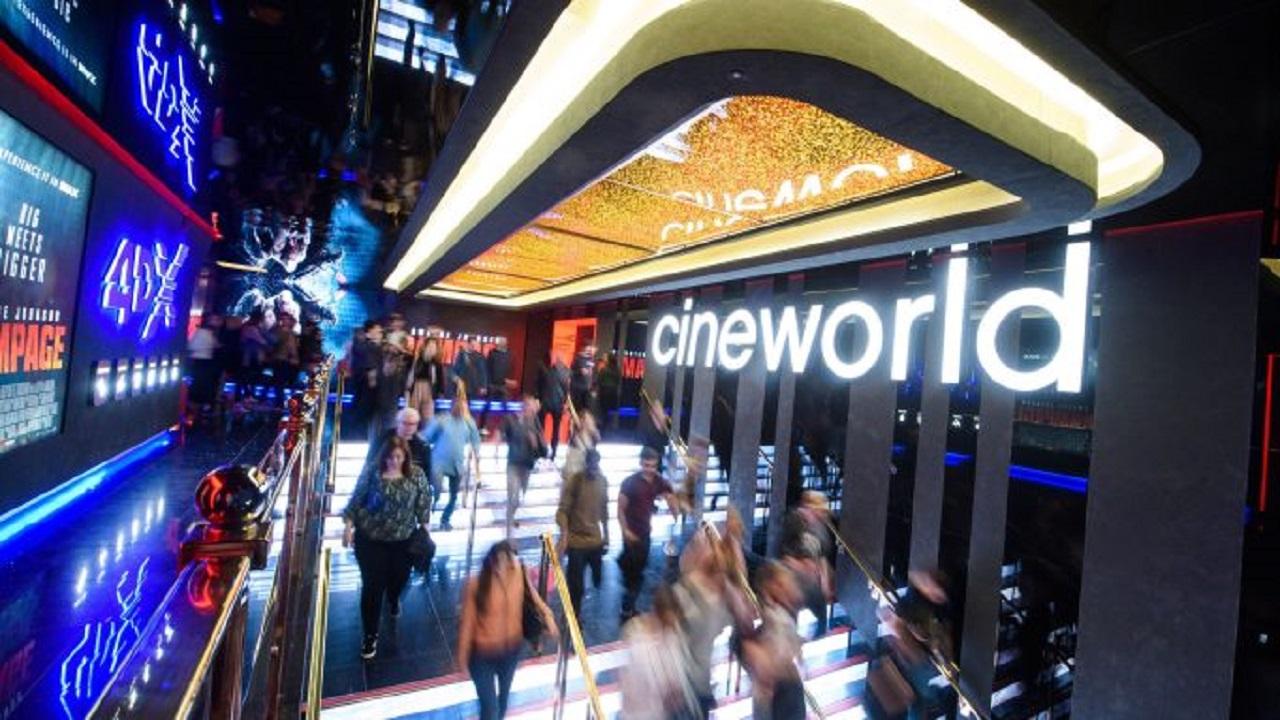 Cineworld sospende l'attività in Regno Unito e USA thumbnail