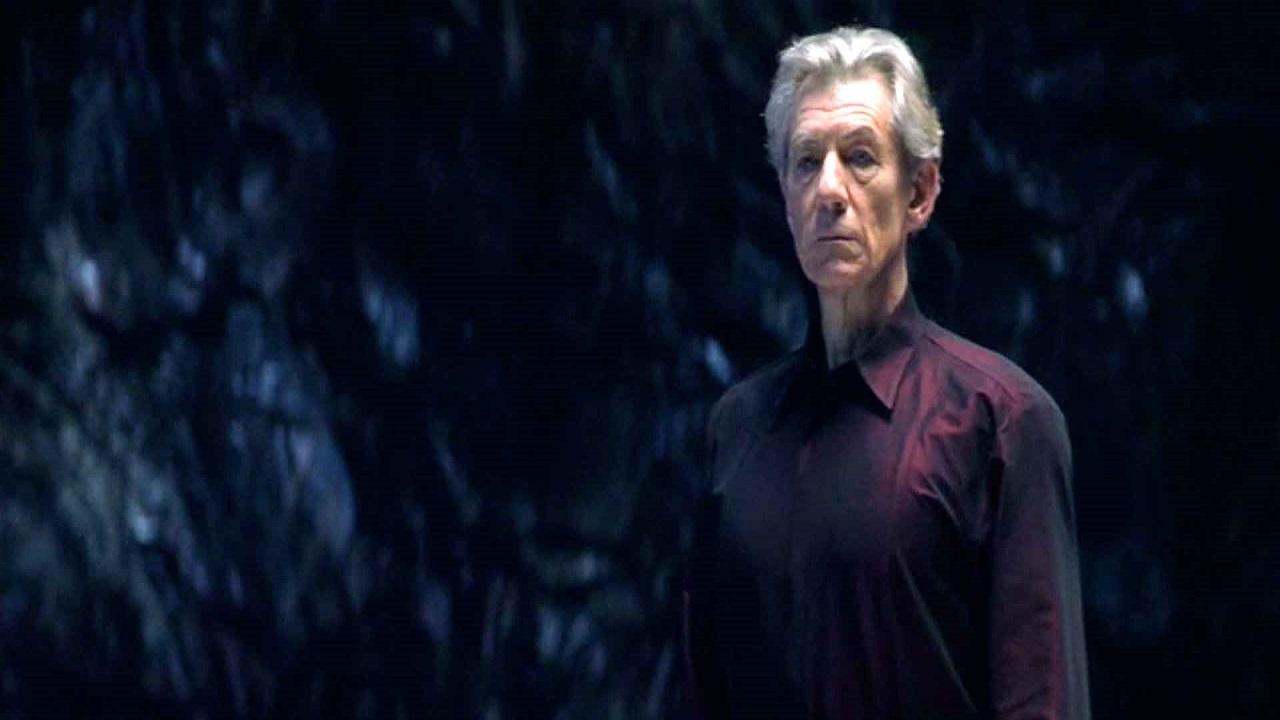 Ian McKellen vaccinato e lancia un appello a tutti thumbnail