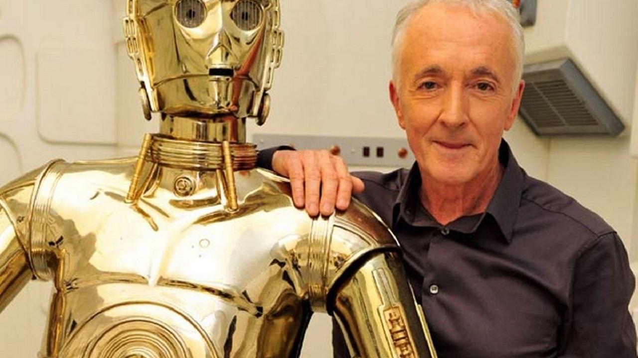 Star Wars: l'interprete di C-3PO promette di non lasciare mai la saga thumbnail